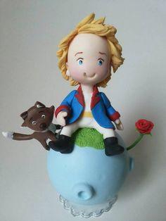 lindo topo de bolo do pequeno principe e a raposa.