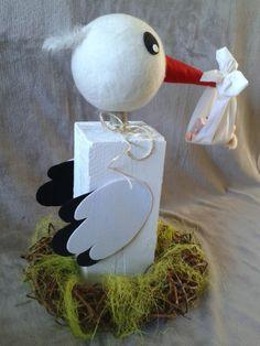 Storch aus Holzklotz + Filzkopf Deko zur Geburt