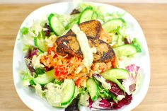Gemischter Steakli-Salat mit cremigem Dressing