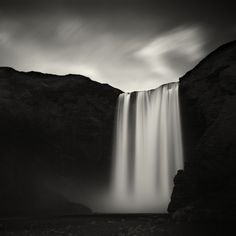 Skógafoss, photography by Lionel Orriols