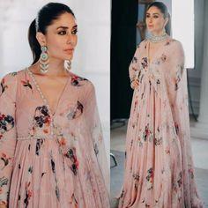 Kareena Kapoor Khan in Mahima Mahajan: Yay or Nay? Simple Pakistani Dresses, Pakistani Fashion Casual, Pakistani Dress Design, Bollywood Fashion, Indian Fashion, Bollywood Style, Dress Indian Style, Indian Outfits, Indian Maternity Wear