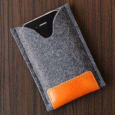 iPhone Felt / Leather Case Dark Grey by bRainbowshop on Etsy Pilou Pilou, Felt Phone, Kindle Cover, Vegetable Tanned Leather, Leather Working, Felt Crafts, Bag Making, Wool Felt, Dark Grey