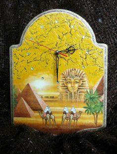 Заготовка ЧАСЫ: «Египет» http://dcpg.ru/blogs/5536/ Click on photo to see more! Нажмите на фото чтобы увидеть больше! decoupage art craft handmade home decor DIY do it yourself clock Materials: napkin craqelure varnish acrylic paints varnish