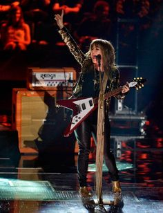Serena Ryder has three MMVA nominations. Here, she performs during the 2013 Juno Awards in Regina on Sunday, April 21, 2013. (THE CANADIAN PRESS/Liam Richards)
