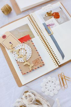 love these creative inspiration journals Leslie puts together {#acreativemint}