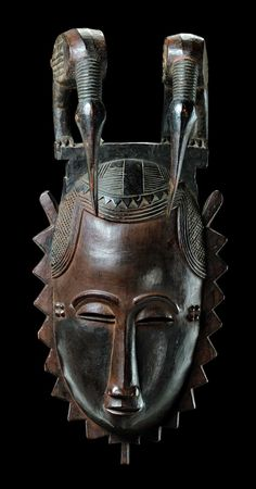 "Africa | Face mask of the ""je"" group ""lomane"" from the Yaure people of the Bouaflé region of the Ivory Coast 