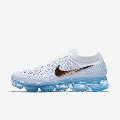 Nike air vapormax flyknit - in LOVE. All my favorite colors together. :)