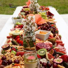 Host the ultimate bagel bar brunch and serve savory toppings with breakfast and lunch options. Plateau Charcuterie, Charcuterie And Cheese Board, Charcuterie Platter, Cheese Board Display, Cheese Boards, Party Platters, Cheese Platters, Food Platters, Serving Platters