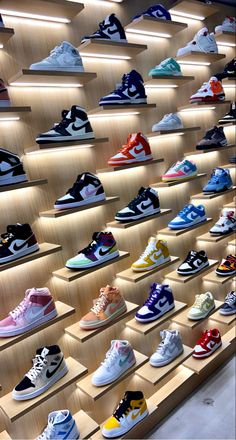 Swag Shoes, Boy Shoes, Girls Shoes, Sneakers Fashion, Shoes Sneakers, Kanye West Style, Jordan Shoes Girls, Nike Air Shoes, Aesthetic Shoes