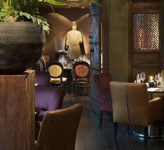 Chinees Restaurant Chang-i #Amsterdam oogt veelbelovend. #Metropolitan, luxueus en comfortabel in één - met dank aan #stylish internationaal interieurontwerper #EricKuster. Europees chique meets Aziatische glamour. Zoals het perfect afgestemde interieur eruit ziet, zo smaakt het voortreffelijke eten! #changiamsterdam #chineserestaurant #asianfood    at is het Chinese restaurant Chang-i in Amsterdam. H
