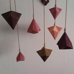 Nye geometriske former er også en del af året origami efterårskollektion 😍😄 Håber i kan li dem ❤ #origami #papir #folderier #foldning #papirkunst #ophæng #geometri #nyeformer #efterårskollektion #aw15