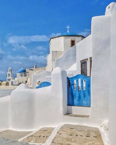 "George Kormpos 🇬🇷 sanoo Instagramissa: ""Check my accounts ⤵️ Follow @ALLURING_WINDOORS @ALLURING_CITYSTREETS @ALLURING_GREECE and @ALLURING_ISLANDS #wu_Greece #greeceshotz…"" Santorini Greece, Mykonos, Check My Account, Road Trip, Destinations, Wanderlust, Paros, Greece Travel, Land Scape"