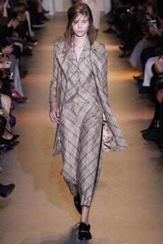 John Galliano Spring 2016 Ready-to-Wear Fashion Show - Sophia Ahrens (OUI)