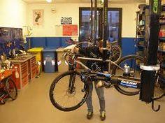 Resultado de imagem para negozio di bici meccanico