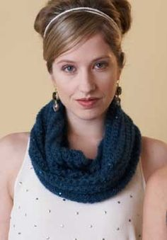 Free Pattern - Patons Lace Sequin - Cowl (knit)