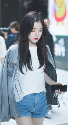 Red Velvet's Irene Fashion 2017, New Fashion, Korean Fashion, Trendy Fashion, Irene Red Velvet, Seulgi, Korean Girl, Asian Girl, Velvet Wallpaper