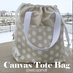 Free canvas tote bag pattern sewing bags for beginners Sewing Hacks, Sewing Tutorials, Sewing Tips, Bag Tutorials, Mochila Jeans, Diy Bags Purses, Creation Couture, Sewing Projects For Beginners, Canvas Tote Bags
