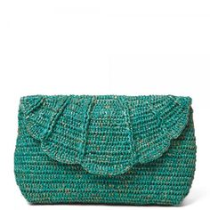 Crochet Purses Design shimmery crochet clutch purse - I love fair trade crochet, which refers to crochet that is done by artisans in other countries who are treated fairly, given a living wage and able to use their creative skills to earn money. Crochet Wallet, Crochet Clutch, Crochet Handbags, Crochet Purses, Crochet Bags, Love Crochet, Beautiful Crochet, Easy Crochet, Crochet Hooks