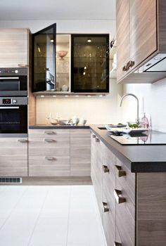 modern magas f ny sz rke ikea konyha vil gos munkalappal s rozsdamentes eszk z kkel konyha. Black Bedroom Furniture Sets. Home Design Ideas