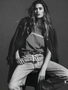Photography Poses : Doutzen Kroes by Ben Weller for Twin Magazine SS 2015 - Dear Art Foto Fashion, Sport Fashion, Trendy Fashion, Style Fashion, Jeans Fashion, Fashion Tv, Fashion 2015, White Fashion, Paris Fashion