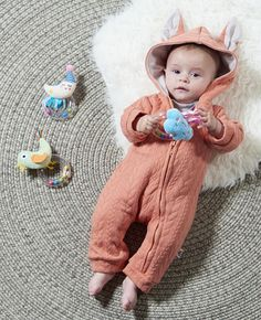 We design and develop toys that help to create a smoother parenting experience, allowing you for focus on enjoying every moment with your baby, whether its meal time, bed time, play or simply going on a stroll. Developmental Toys, Bedtime, Parenting, Holiday Decor, Baby, Design, Style, Swag, Stylus