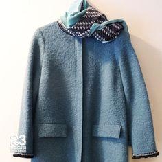 Abrigo de boucle azul, también en verde de La Fabrique en #23CB en Lagasca 83. www.facebook.com/23CBCristinaBarrilero