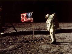 Image astronaute sur la lune - espace