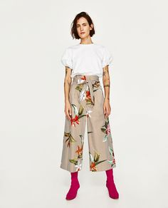Image 1 of FLORAL AND STRIPED POPLIN CULOTTES from Zara Trousers Women, Pants For Women, Just Girl Things, Hot Pants, Zara Women, Couture, Ready To Wear, Street Style, Stylish