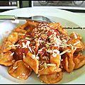 Orecchiette et maccheroncini à la sauce tomate/Orecchiette e maccheroncini al sugo. - L'Italie dans ma cuisine