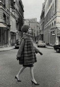 Dior, Paris 1960 - photo by Louis Faurer Simone d'Aillencourt Vintage Paris, Vintage Dior, Vintage Glamour, Retro Vintage, Vintage Trends, Vintage Soul, Christian Dior Vintage, Louis Faurer, Yves Saint Laurent