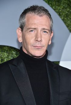 Ben Mendelsohn Photos Photos - Actor Ben Mendelsohn attends the 2016 GQ Men of the Year Party at Chateau Marmont on December 8, 2016 in Los Angeles, California. - 2016 GQ Men of the Year Party - Arrivals