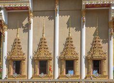 2012 Photograph, Wat Khao Rang Ubosot Windows, Tambon Wichit, Mueang Phuket, Phuket, Thailand, © 2014. ภาพถ่าย ๒๕๕๕ วัดเขารัง หน้าต่าง อุโบสถ ตำบลวิชิ อำเภอเมืองภูเก็ต ถูเก็ต ประเทศไทย