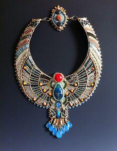 Conjunto pendientes y collar de escarabajo por LuxVivensFashion