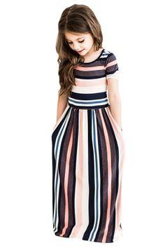 Moda infantil ideas kids fashion new ideas Girls Maxi Dresses, Striped Maxi Dresses, Dresses For Kids, Baby Dresses, Short Dresses, Trendy Dresses, Little Girl Fashion, Toddler Fashion, Girls Fashion Kids