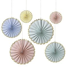 Set a lovely scene with our Pastel Fan Decoration Set. These beautiful pinwheel decorations come in three different sizes and feature soft, pastel colors. Pinwheel Decorations, Paper Fan Decorations, Bridal Shower Decorations, Pastel Party Decorations, Backdrop Decorations, Pastell Party, Décoration Baby Shower, Baby Showers, Paper Fans