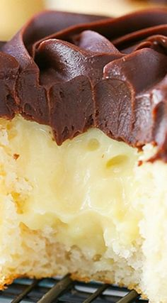 Boston Cream Pie Cupcakes