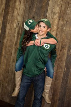 ENGAGEMENT PHOTO www.makarios-studio.com - BUT WITH ME IN A BEARS JERSEY