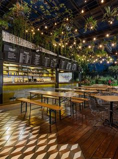 restaurant deko Restaurant Ceiling Decor Ideas by VCK Greens Bakery Shop Design, Coffee Shop Design, Cafe Design, Outdoor Restaurant Design, Rooftop Restaurant, Outdoor Cafe, Indoor Outdoor, Café Bar, Restaurant Interior Design