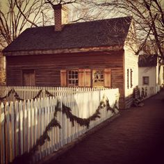 Old Salem, NC garland via Haskell Harris @magpiebyhaskellharris.blogspot.com