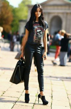 Love the leather leggings and tshirt
