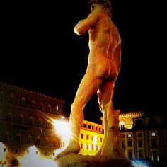 David | Michelangelo [ the copy] Piazza della Signoria Firenze