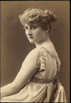 Beautiful Vintage photo of Mary Anderson via http://www.ekduncan.com/2012/10/yellow-prima-donna-paper-doll-by-l-mary.html#