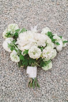 white wedding bouquet #weddingbouquets