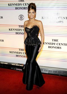 Beyonce Knowles (12/07/2008) Kennedy Center Honors for Barbara Streisand