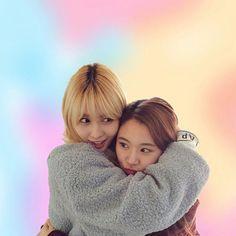 momo & chaeyoung  . . . {#twice #chaeyoung #dahyun #nayeon #tzuyu #sana #momo #jeongyeon #jihyo #mina #once #oneinamillion #twicefans #kpop #kpoptwice #twicekpop #girlgroup #jyp #jype #bias #jyptwice #twice #tt #oohahh #cheerup #twicethemes #themes #twicelove #knockknock}