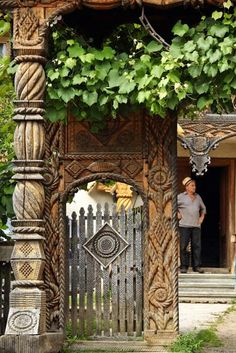 Maramuresz, Romania Zen, Sustainable Practices, Treehouse, Bookcases, Traditional House, Wood Carving, Romania, 21st Century, Gates