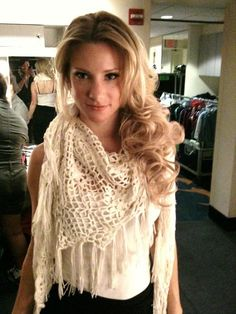 Heather Morris--I want her hair. end of story. Also, loved her scarf/shawl...