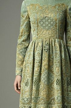 What Jeyne Westerling would wear, Valentino