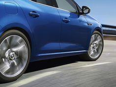 Tenete viva la vostra passione: con la tecnologia 4Control® di Nuova Renault MEGANE le curve strette non saranno più una sfida! La passione assume una nuova dimensione. #NuovaMegane