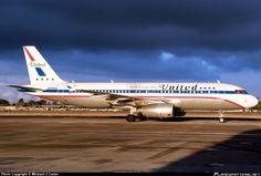 united airlines 232 | N475UA United Airlines Airbus A320-232 taken 16. Jan 2012 at Santa Ana ...